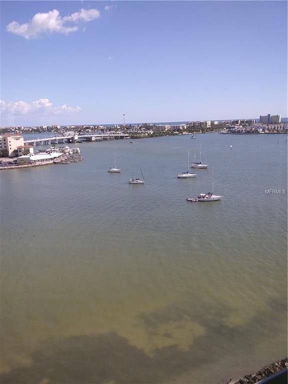4775 Cove Circle #1103, St Petersburg, FL 33708 (MLS #U8013527) :: The Duncan Duo Team