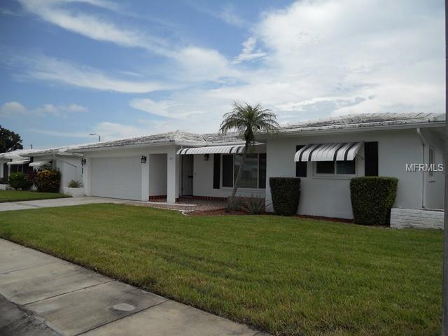 3659 100TH Terrace N, Pinellas Park, FL 33782 (MLS #U8014203) :: The Duncan Duo Team