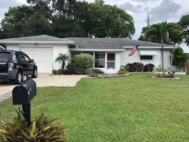 11123 109TH Way, Largo, FL 33778 (MLS #U8014419) :: Revolution Real Estate