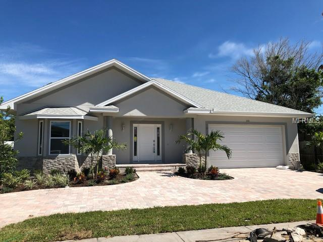 1016 Gulf Road, Tarpon Springs, FL 34689 (MLS #U8015902) :: The Duncan Duo Team
