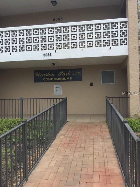 5085 1ST Street NE #239, St Petersburg, FL 33703 (MLS #U8017682) :: KELLER WILLIAMS CLASSIC VI