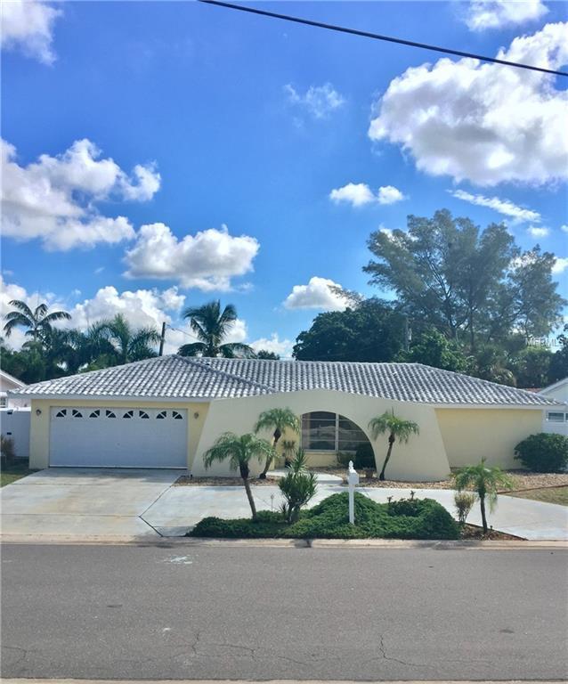 10041 S Yacht Club Drive, Treasure Island, FL 33706 (MLS #U8017728) :: Beach Island Group