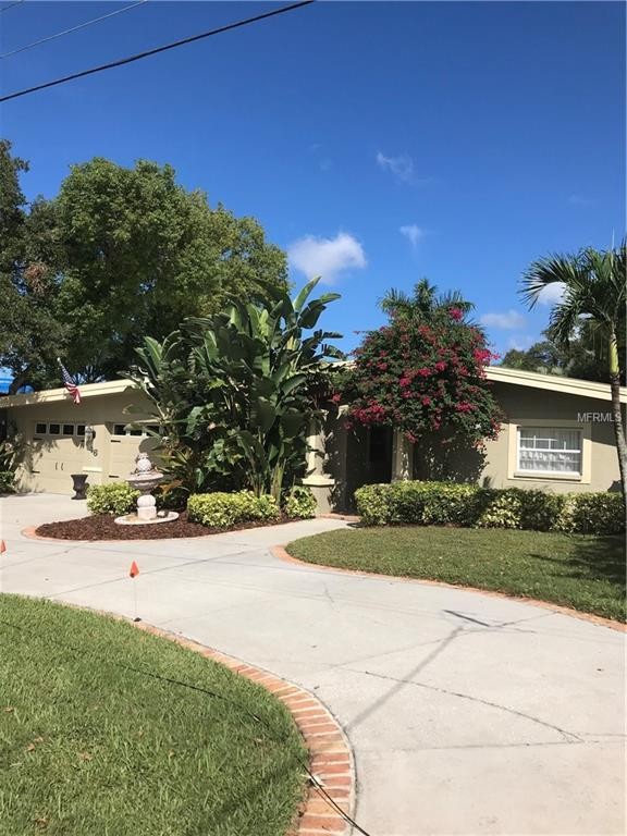 46 Sunset Bay Drive, Belleair, FL 33756 (MLS #U8021408) :: Revolution Real Estate