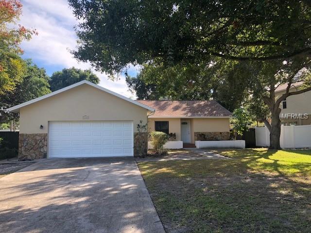 3135 Johns Parkway, Clearwater, FL 33759 (MLS #U8023392) :: Team Suzy Kolaz