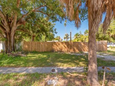 2205 Quincy Street S, St Petersburg, FL 33711 (MLS #U8024098) :: Premium Properties Real Estate Services