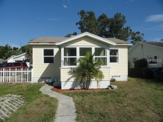1025 34TH Avenue N, St Petersburg, FL 33704 (MLS #U8024893) :: Zarghami Group
