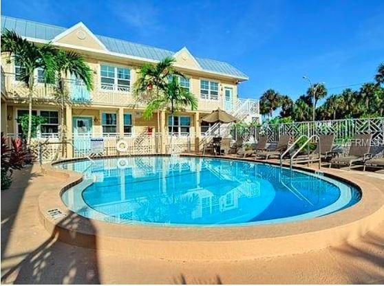530 Mandalay Avenue #102, Clearwater, FL 33767 (MLS #U8025334) :: Mark and Joni Coulter | Better Homes and Gardens