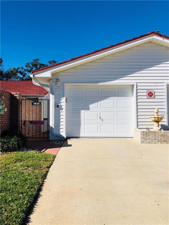 1435 Water View Drive W, Largo, FL 33771 (MLS #U8030129) :: Cartwright Realty