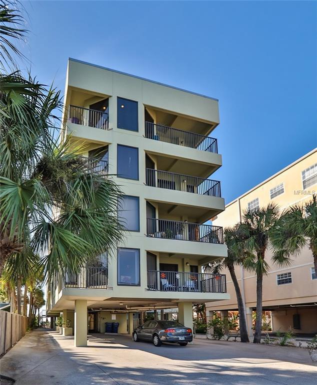 74 Gulf Boulevard 2B, Indian Rocks Beach, FL 33785 (MLS #U8030616) :: Charles Rutenberg Realty