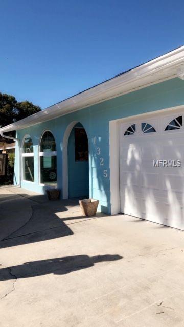 1325 40TH Avenue NE, St Petersburg, FL 33703 (MLS #U8030920) :: Burwell Real Estate