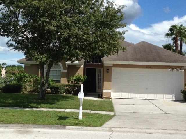 9036 Westbay Boulevard, Tampa, FL 33615 (MLS #U8031131) :: Delgado Home Team at Keller Williams