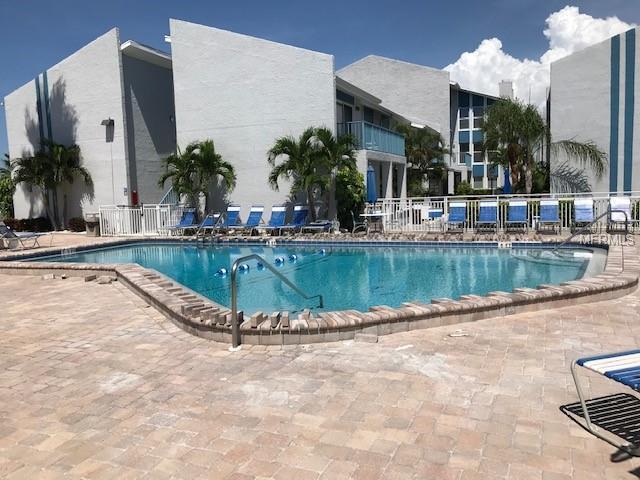 253 Rex Place E, Madeira Beach, FL 33708 (MLS #U8035039) :: RE/MAX CHAMPIONS