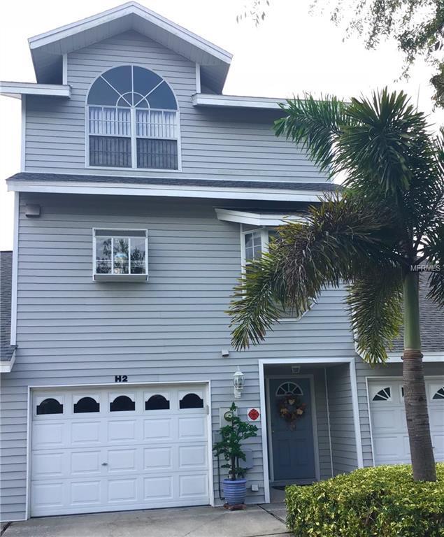 11722 Currie Lane H2, Largo, FL 33774 (MLS #U8036009) :: Cartwright Realty