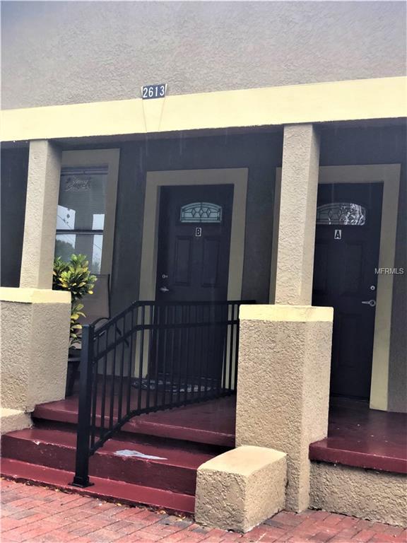 2613 W Saint Conrad Street A/B, Tampa, FL 33607 (MLS #U8036876) :: The Duncan Duo Team