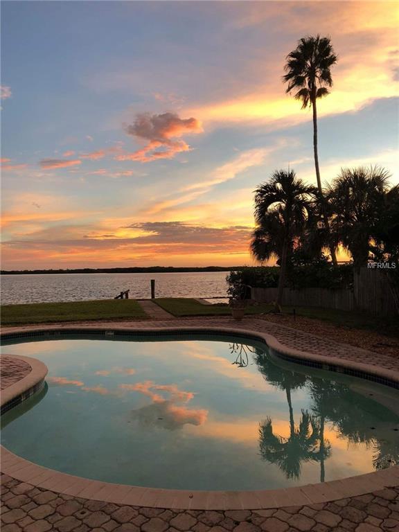 6067 Bayou Grande Boulevard NE, St Petersburg, FL 33703 (MLS #U8039326) :: Lock & Key Realty