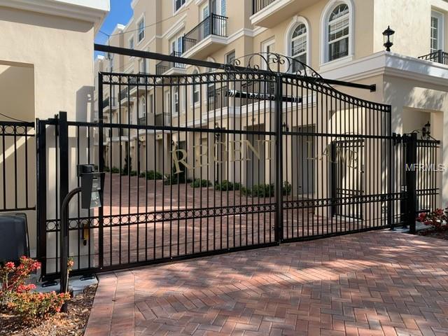 428 Regent Lane N, St Petersburg, FL 33701 (MLS #U8040629) :: Lovitch Realty Group, LLC