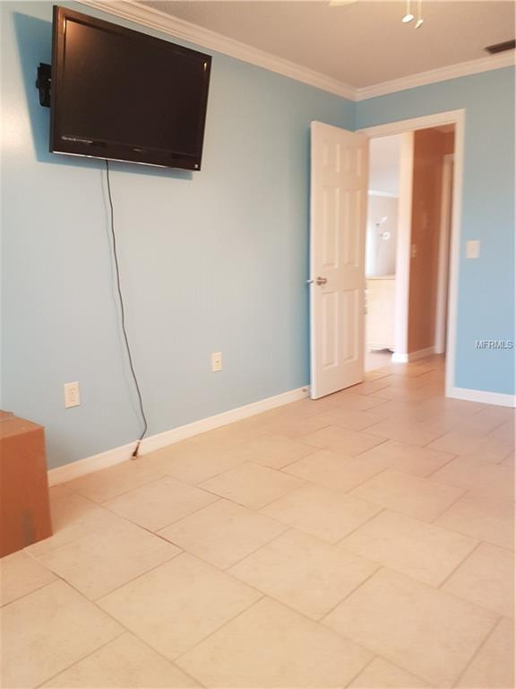 2960 59TH Street S #102, Gulfport, FL 33707 (MLS #U8042531) :: Baird Realty Group