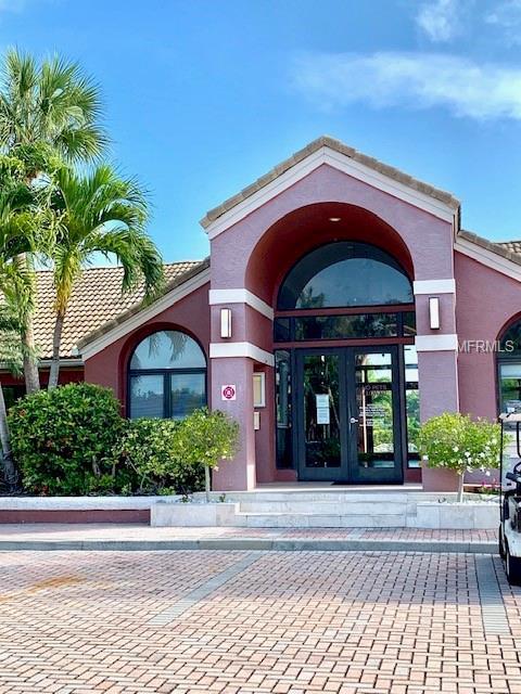 10263 Gandy Boulevard N #1901, St Petersburg, FL 33702 (MLS #U8044519) :: Lockhart & Walseth Team, Realtors