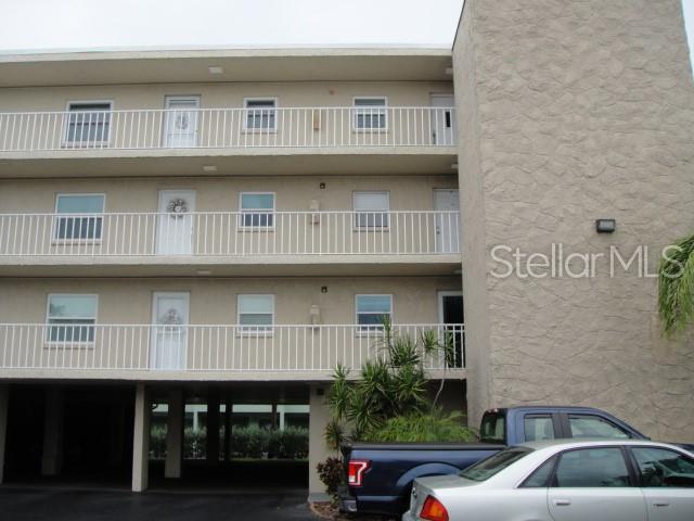 719 Pinellas Bayway S #111, Tierra Verde, FL 33715 (MLS #U8048412) :: Lockhart & Walseth Team, Realtors