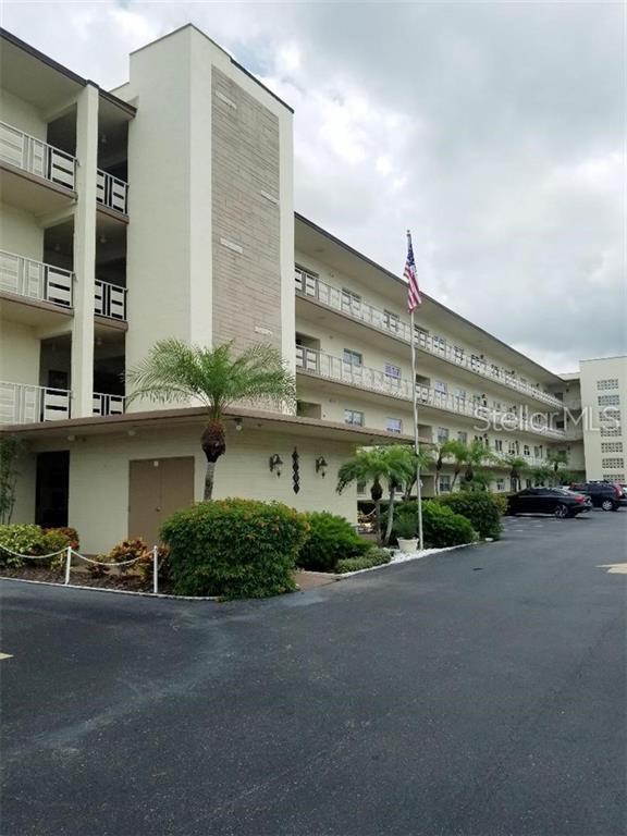 5705 80TH ST N Street N #316, St Petersburg, FL 33709 (MLS #U8049478) :: Medway Realty