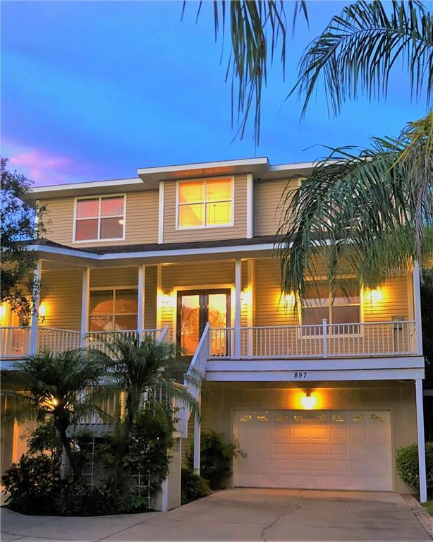 897 Point Seaside Drive, Crystal Beach, FL 34681 (MLS #U8051018) :: The Duncan Duo Team