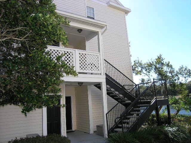 3304 Haviland Court #103, Palm Harbor, FL 34684 (MLS #U8052515) :: The Light Team