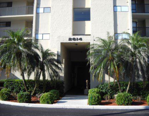 2614 Cove Cay Drive #106, Clearwater, FL 33760 (MLS #U8052806) :: Lovitch Realty Group, LLC