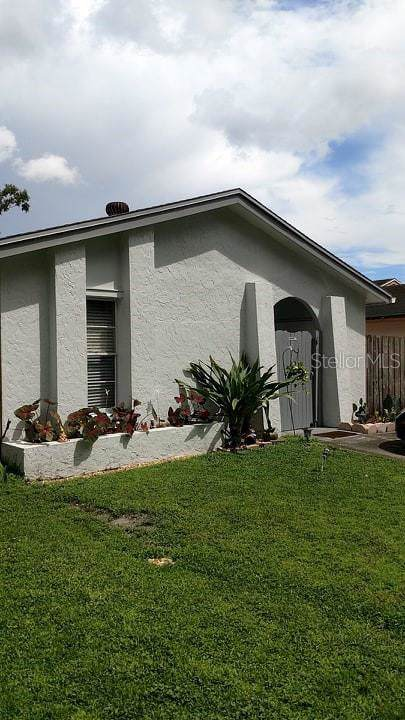 10303 Rosemount Drive, Tampa, FL 33624 (MLS #U8057478) :: GO Realty