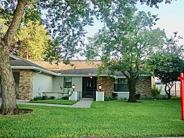 2372 Hidden Lake Drive, Palm Harbor, FL 34683 (MLS #U8059066) :: Godwin Realty Group