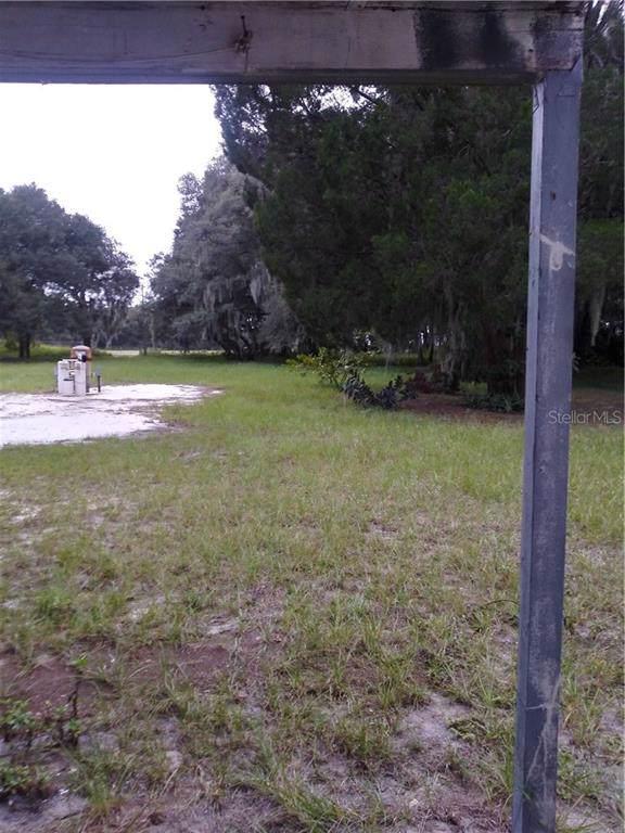 2422 Welcome Road, Lithia, FL 33547 (MLS #U8065884) :: The Brenda Wade Team