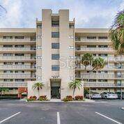 2617 Cove Cay Drive #110, Clearwater, FL 33760 (MLS #U8067781) :: The Duncan Duo Team