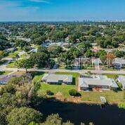 1619 S Evergreen Avenue, Clearwater, FL 33756 (MLS #U8067960) :: The Duncan Duo Team
