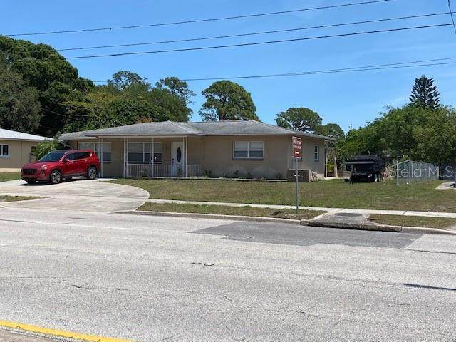 7355 113TH Street, Seminole, FL 33772 (MLS #U8082842) :: Alpha Equity Team
