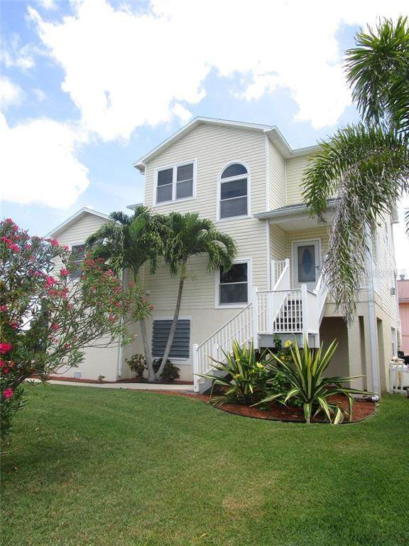 17555 2ND Street E, Redington Shores, FL 33708 (MLS #U8084671) :: Charles Rutenberg Realty