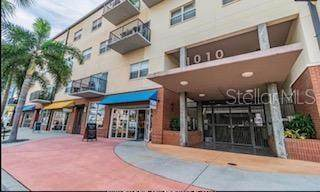 1010 Central Avenue #213, St Petersburg, FL 33705 (MLS #U8086223) :: Lockhart & Walseth Team, Realtors