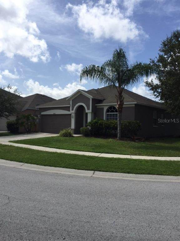 18415 Meadow Blossom Lane, Tampa, FL 33647 (MLS #U8093561) :: Premier Home Experts