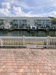 5132 Beach Dr Se A, St Petersburg, FL 33705 (MLS #U8102721) :: The Light Team