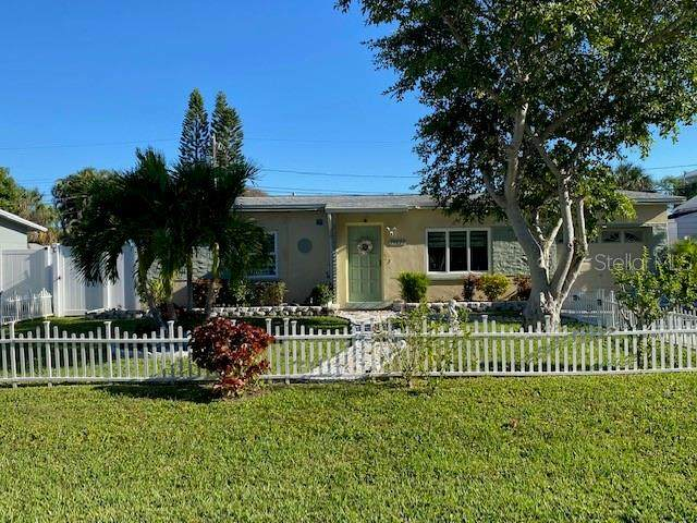 15827 1ST Street E, Redington Beach, FL 33708 (MLS #U8105584) :: Homepride Realty Services