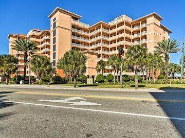 530 S Gulfview Boulevard #805, Clearwater, FL 33767 (MLS #U8110390) :: Dalton Wade Real Estate Group