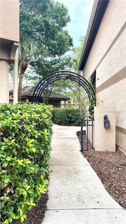 1034 Normandy Trace Road #1034, Tampa, FL 33602 (MLS #U8110568) :: Everlane Realty