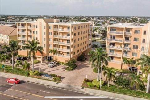 11455 Gulf Boulevard #400, Treasure Island, FL 33706 (MLS #U8110876) :: RE/MAX Local Expert