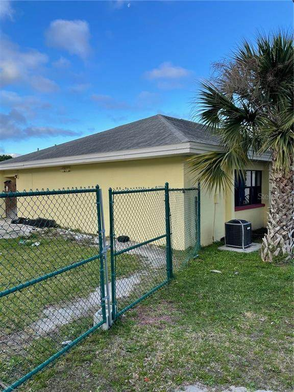 1375 Belcher Road S, Largo, FL 33771 (MLS #U8115319) :: The Lersch Group
