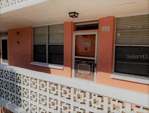 4880 Locust Street NE #225, St Petersburg, FL 33703 (MLS #U8119479) :: The Brenda Wade Team