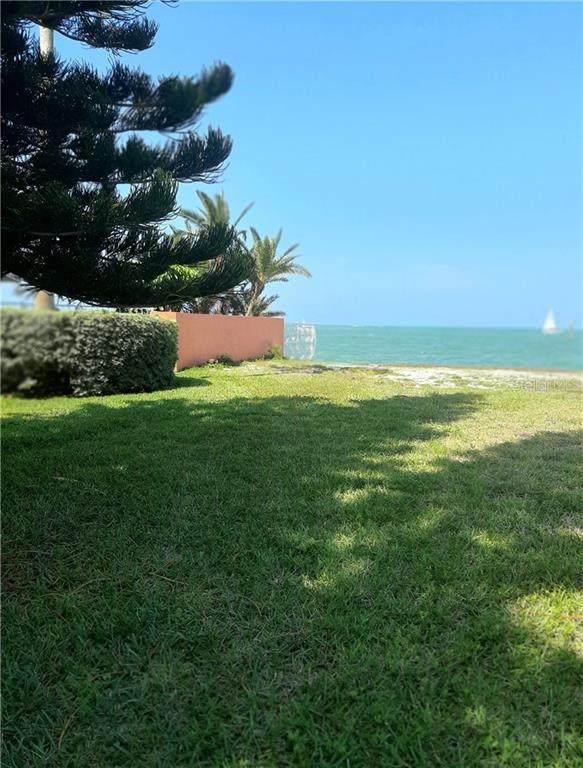 Santa Maria Drive, Tierra Verde, FL 33715 (MLS #U8119625) :: Pristine Properties