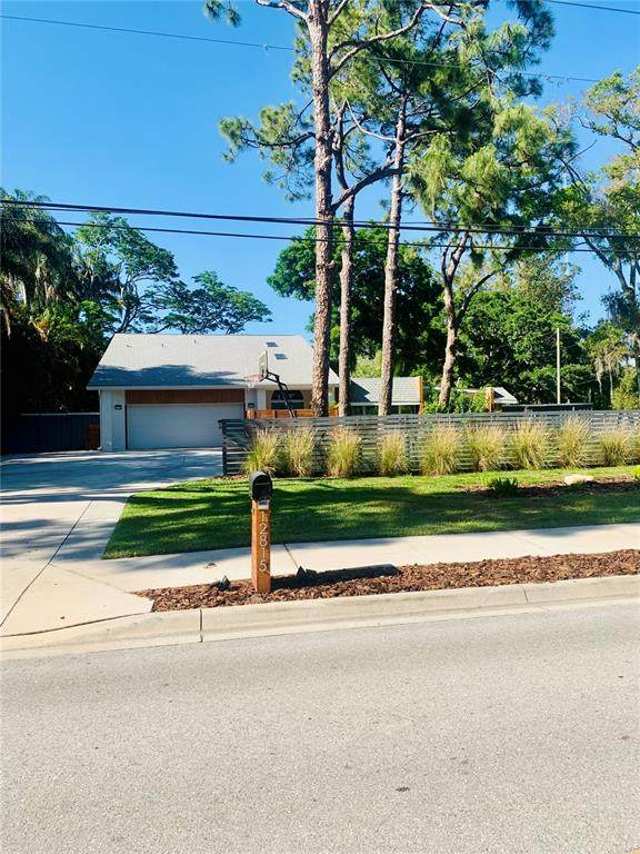 12815 74TH Avenue, Seminole, FL 33776 (MLS #U8121076) :: The Lersch Group