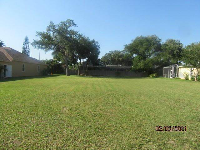 1554 Quail Drive, Dunedin, FL 34698 (MLS #U8122333) :: Team Borham at Keller Williams Realty