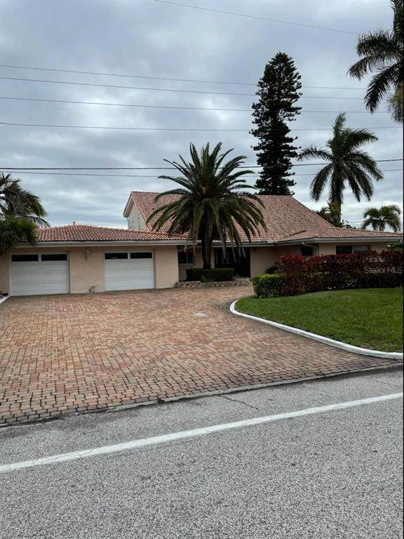 1981 E Vina Del Mar Boulevard, St Pete Beach, FL 33706 (MLS #U8127590) :: Heckler Realty