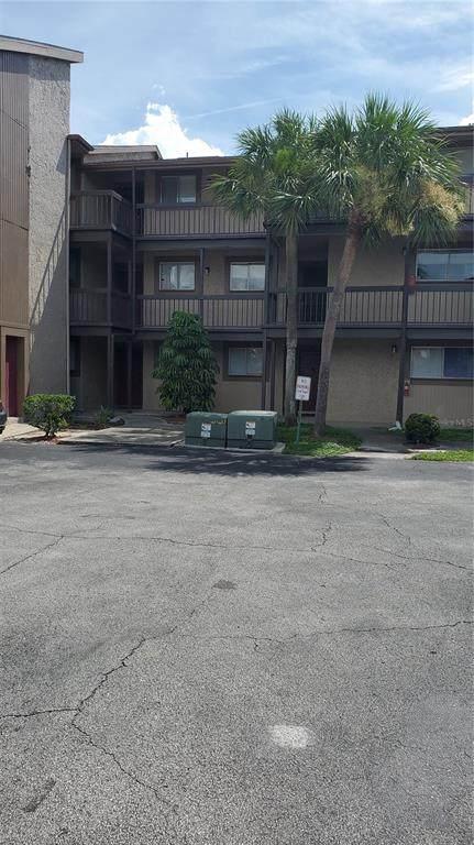 6310 Newtown Circle 10B3, Tampa, FL 33615 (MLS #U8130659) :: Delgado Home Team at Keller Williams