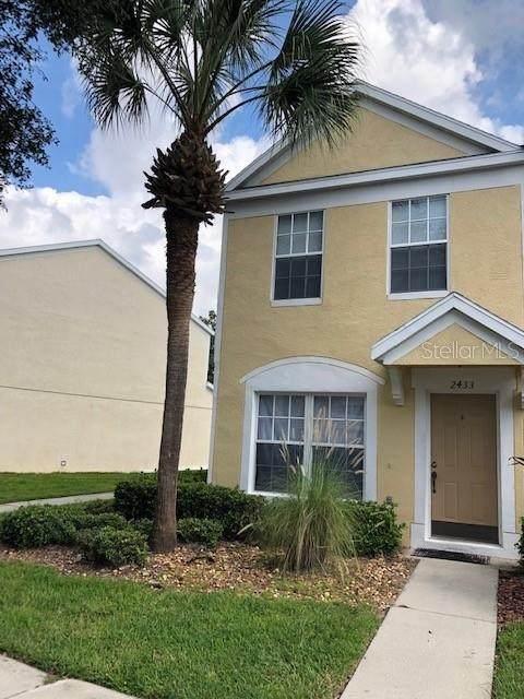 2433 Lake Woodberry Circle, Brandon, FL 33510 (MLS #U8131248) :: Vacasa Real Estate
