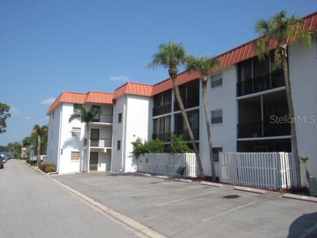 10530 77TH Terrace #224, Seminole, FL 33772 (MLS #U8131351) :: The Hustle and Heart Group